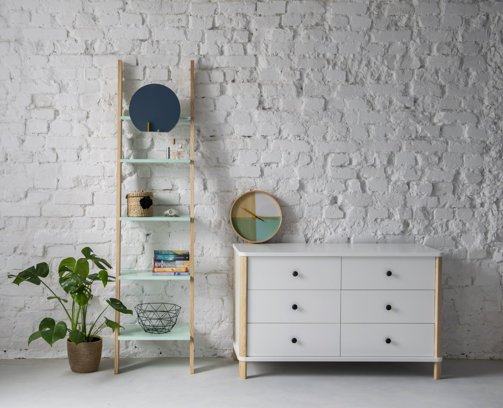 ASHME Small Ladder Shelf With Mirror   Mint